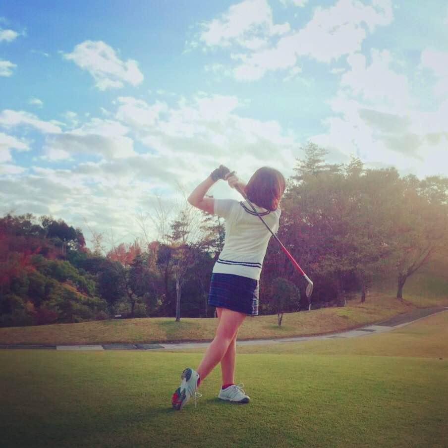 イギリス風ファッションで優雅にゴルフを