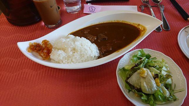 東京都「桜ヶ丘CC」やや辛めでパンチの効いたビーフカレーです!