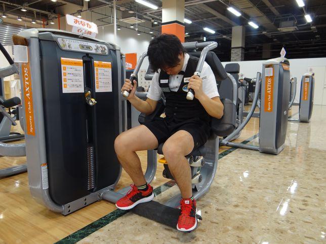 腹筋を鍛えると、アプローチ、パッティングが安定する!